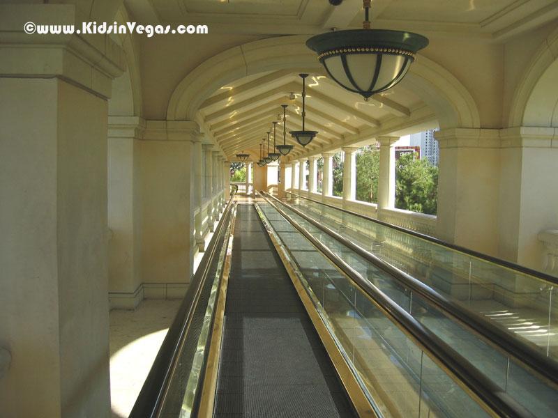 The Bellagio Moving Sidewalk Las Vegas - ¤ Las Vegas for